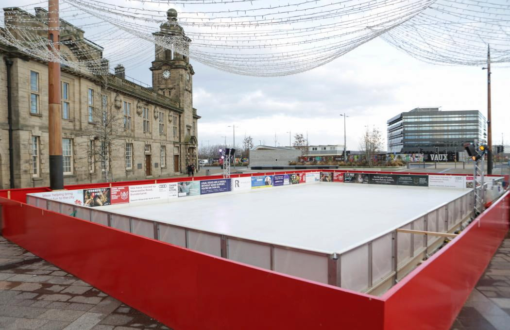 Christmas, Ice Rinks & Ice Sculpture Experiences 1