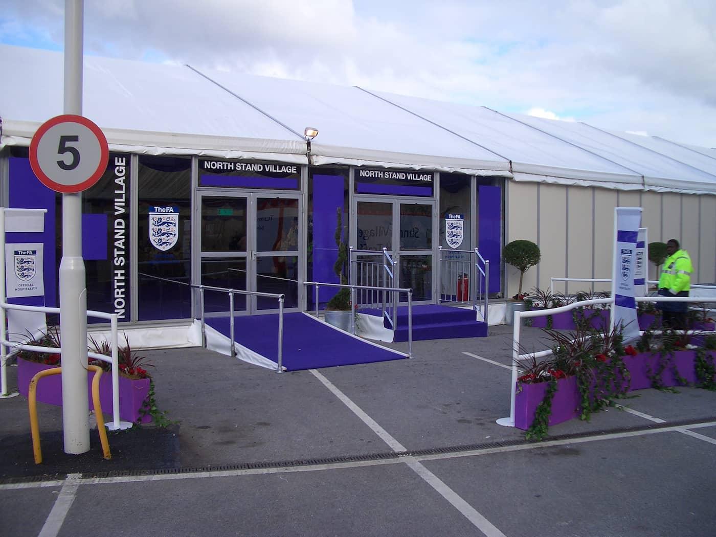 Restaurants & Hospitality 11